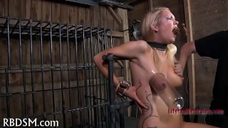Caged honey to give blowjob hard bdsm